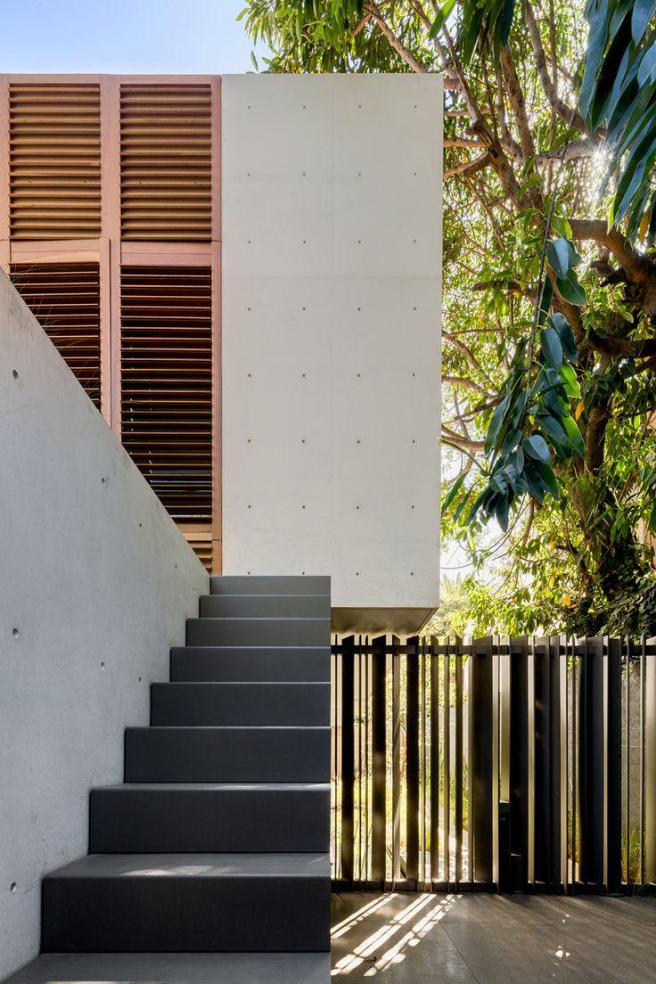 legorreta-seplveda-blancasmoran-montes-pirineos-house-mexico-city-designboom-02
