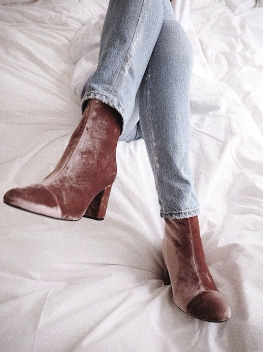 Photos via: Vasilieva With fall on the horizon, we want nothing more than to start incorporating on-trend luxe velvets into our looks. One great and simple way to do it is with a pair of velvet boots.