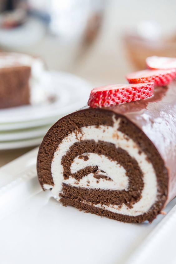 Pioneer Woman's Chocolate Swiss Roll Cake- it's like a giant homemade Ho Ho!
