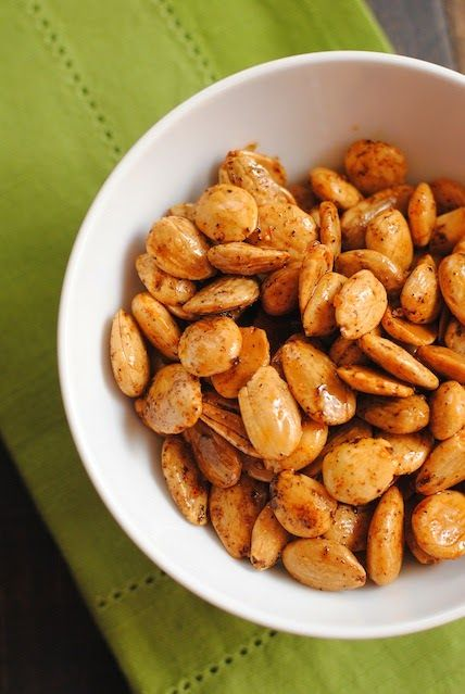 Marcona Almonds with Smoked Paprika - a perfect salty, smoky party food that takes literally 30 seconds to stir up and pop into the oven. | foxeslovelemons.com