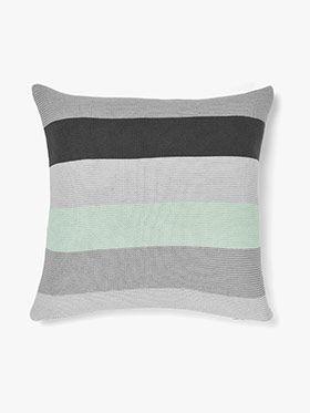 Quatro Cushion