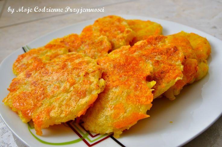 Rösti podobne są do polskich placków ziemniaczanych z tą różnicą,iżnie dodaje się do nich mąki, a często nawet jajka. Przygoto...