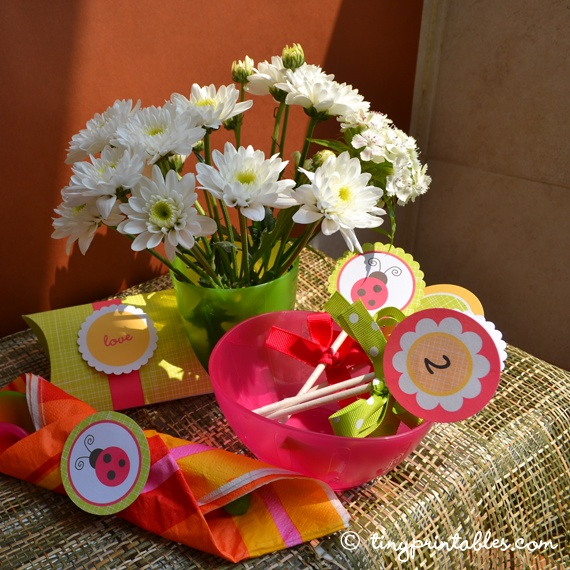 Kind of a random photo, just to show you a few ways to use the party circles