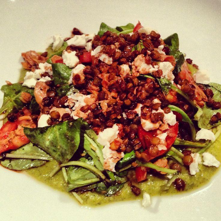 Summer salad of smoked salmon, arugula, heirloom tomatoes, goat cheese ...