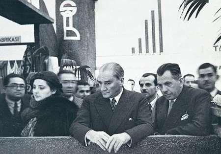 Atatürk, Ankara'da Sümerbank'ın Açılışında