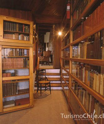 """Beautiful Library: Pablo Neruda's house """"la Chascona"""" Chile"""