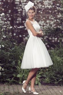 illusion neck sleeveless knee length short simple tulle a line wedding dress
