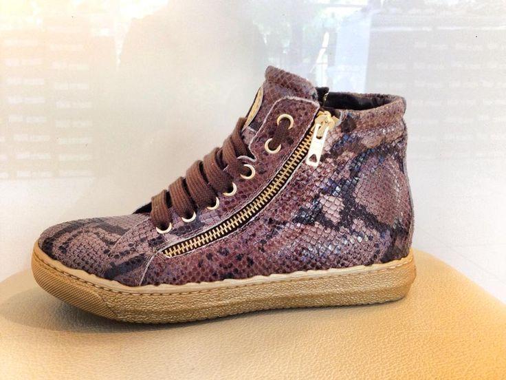 sneaker in pelle stampata pitone/l'artigiano di riccione