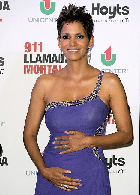 A pregnant Halle Berry attends the premiere of 'The Call' at Hoyts Cinemas on April 8, 2013 in Buenos Aires, Argentina. (46 yrs old)