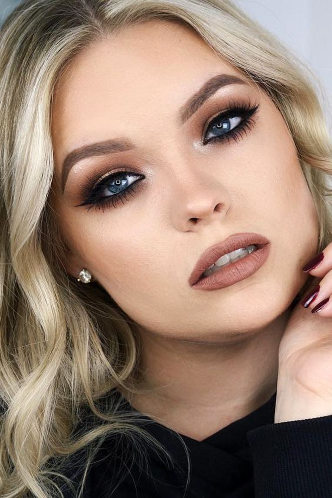 makeup ideas for blue eyes brown eyeshadows with shimmer and