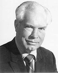 """MARCH 21, 2001 - """"The animation pioneer William Hanna, who with his partner, Joseph Barbera, created such cartoon characters as Fred Flintstone, Yogi Bear and Tom and Jerry, died at his North Hollywood home today. He was 90."""" Read more: http://www.nytimes.com/2001/03/23/arts/william-hanna-dies-at-90-created-cartoon-characters.html"""