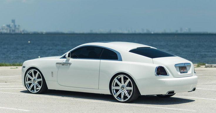 White Rolls-Royce Wraith Looks Stunning on Vellano 24s - Motorward