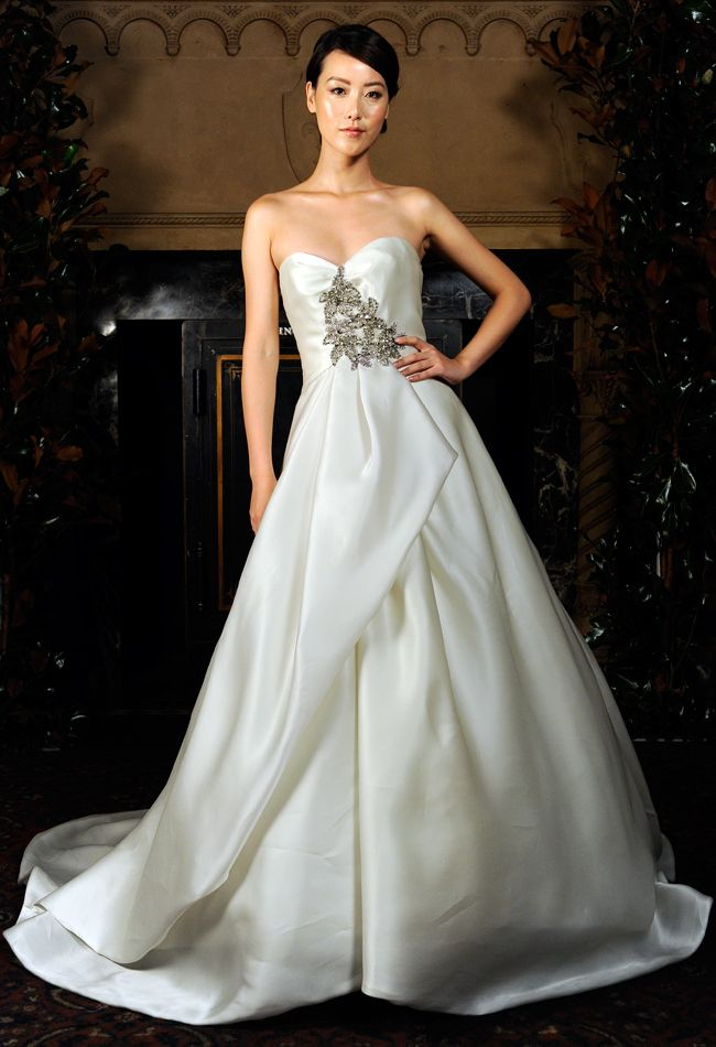 wedding dress chicago 39 best 2014 bridal expo chicago milwaukee dates 9198