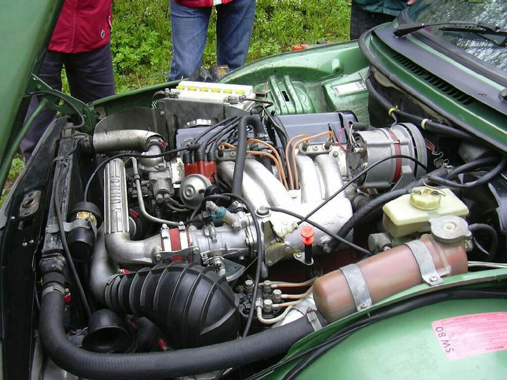 Eräällä tavalla uusi aikakausi alkoi 1977 Frankfurtin automessujen jälkeen, kun merkki oli esitellyt Saab 99 Turbon. Saab 99 Turbo ei ollut ensimmäinen turboahtimella varustettu automalli, sillä muun muassa BMW ja Porsche olivat valmistaneet turbollisia urheiluautoja. Saab oli ensimmäinen autonvalmistaja, jonka turbomoottori oli tarpeeksi luotettava ja kestävä arkikäyttöä varten.