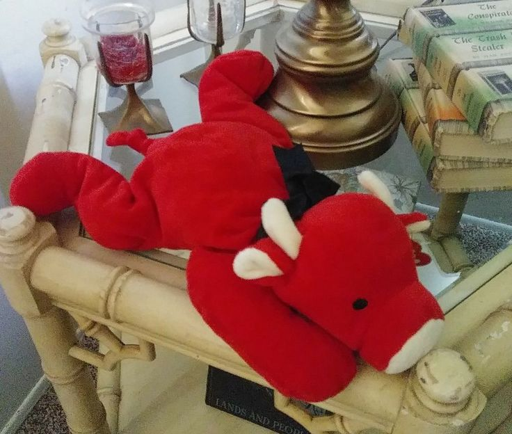 """1997 Ty Pillow Pals RED Bull Plush Toy 14"""" With Tags Beanie Babies Stocking  #Ty"""