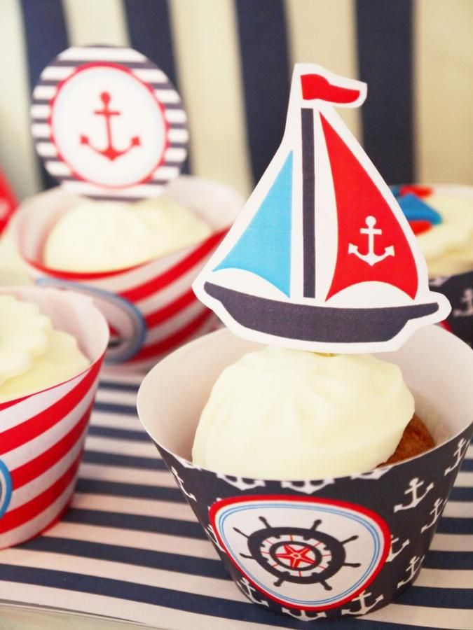 Sailboat cupcake toppers. Bird's Party.