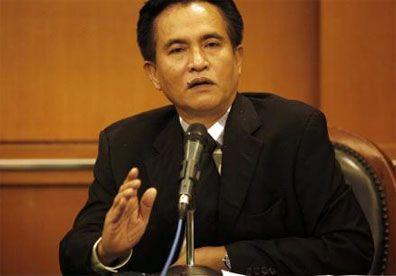 JAKARTA – Niat mantan Menteri Sekretaris Negara, Yusril Ihza Mahendra, menggugat Undang-Undang Nomor 42 Tahun 2008 tentang Pemilihan Presiden di.