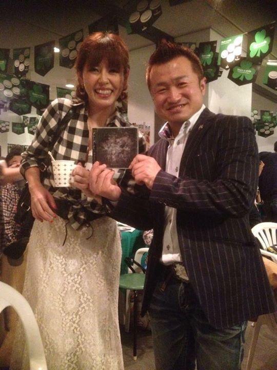 【3/11 20:00カラコロ工房金庫室で、SEiRENライブ】歌姫SEiREN前田 斗亜さんの度肝を抜く透き通る美声にカラコロ金庫室の観客は、みんな心を奪われるほど。CDがほしい方は、SEiREN『The First rose bud』で検索してみてください。当日も購入出来ます。http://seiren.verse.jp/