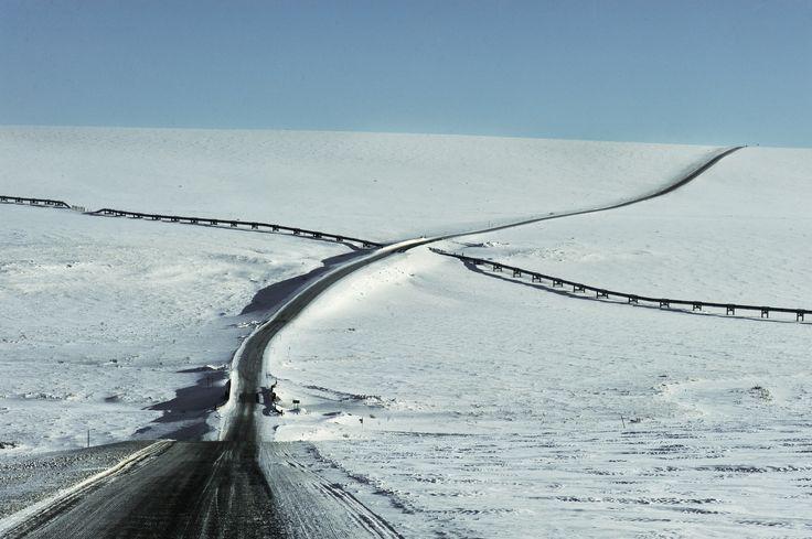 Image © Kadir van Lohuizen / NOOR – Nikon D700 105 mm f2.8 macro at ...Deadhorse, Alaska.