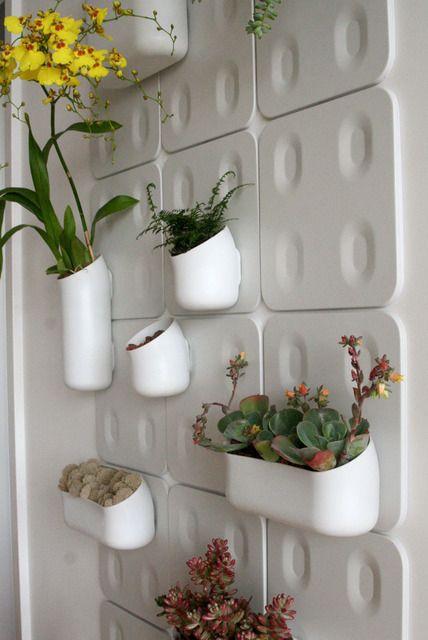 17 Best ideas about Indoor Vertical Gardens on Pinterest
