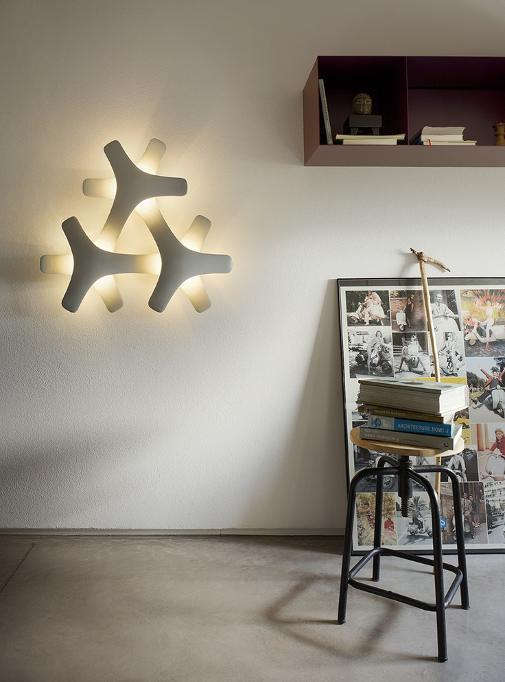 Synapse, the beautiful modular lighting system designed by Francisco Gomez Paz for Luceplan.