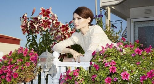 "ophie Ellis-Bextor is back with album number four.the singer who reaches her ten-year anniversary in the pop game this year couldn't be happier. ""I'm having an amazing time right now. It really is the best it's ever been. I'm still completely excited, and I think that's vital! There's nothing more unsexy than a jaded pop star."" When you hear her new album you'll understand why Sophie is quite so giddy."