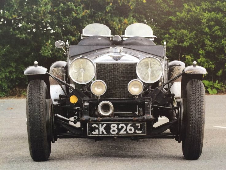 Close up // Inside // Gentlemen, start your engines! // A history of cars