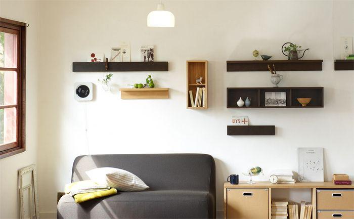 無印良品の人気シリーズ「壁に付けられる家具」。石膏ボードならどこでも取り付けられるというお手軽さがうれしい家具シリーズです。素敵な収納を、みなさんがどんな風に実現しているのでしょう?お家の場所別にご紹介したいと思います。