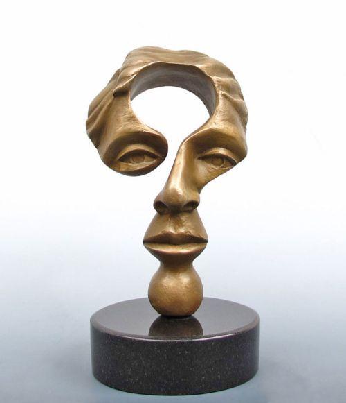 As surreais esculturas de figuras humanas em bronze e cobre de Michael Alfano - Mente inquisidora