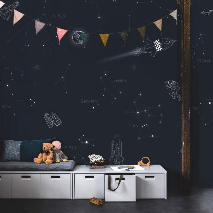 Met dit Space behang van vtwonen waan jij je als een echte astronaut in de ruimte.