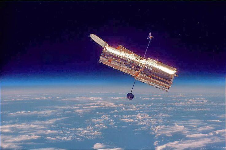 Teleskop Ruang Angkasa, Hubble, satelit tercanggih