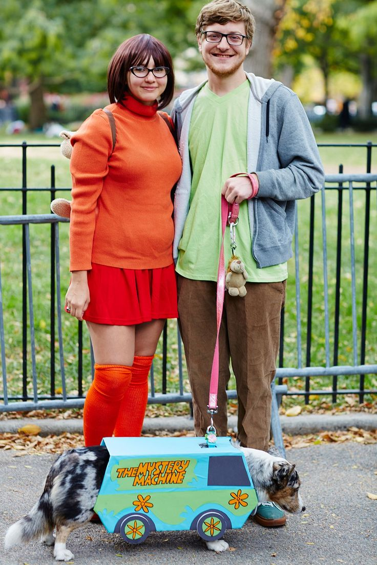 The 40+ Best Dog Costumes EVER #refinery29 http://www.refinery29.com/2015/10/96371/new-york-dog-parade-pictures#slide-2 Shaggy and Velma pose with a pint-sized Mystery Machine. ...