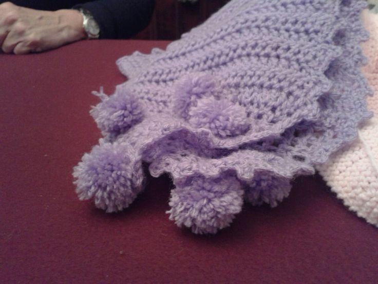 Bufanda crochet con pompones
