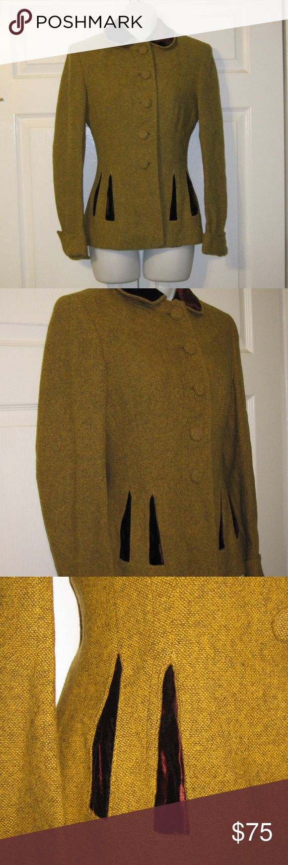 Vintage Women's Tweed Blazer Brown Velvet S XS Vintage Women's Blazer Jacket Olive Velvet S XS  Gorgeous women's blazer from Miller Bros in Chattanooga.  Looks to be around the 1950s or 1960s. Miller Bros was a very high-end department store that closed in the mid 1980s. The color is a olive green/light brown tweed with rich mahogany brown velvet on the collar and on the front. There is no tag size or fabric tag in this, but it is either a small or xsmall. Bust - 34 , Waist - 28 Hips - 36…
