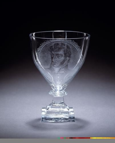 Kelkglas Lodewijk Napoleon (1778-1846), 1806 - 1810 Adrianus (II) Hoevenaar (1764 - 1832) (glasgraveur)