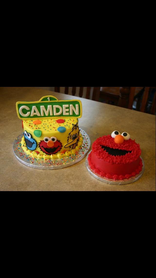 small elmo cake