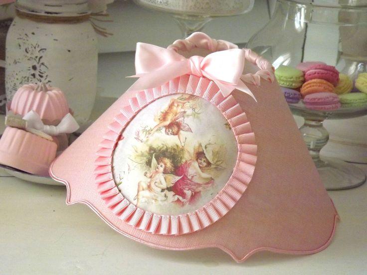Abat-jour bordure simple accolade, en lin rose dragée - décor farandole d'angelots : Luminaires par patines-lin-et-coton