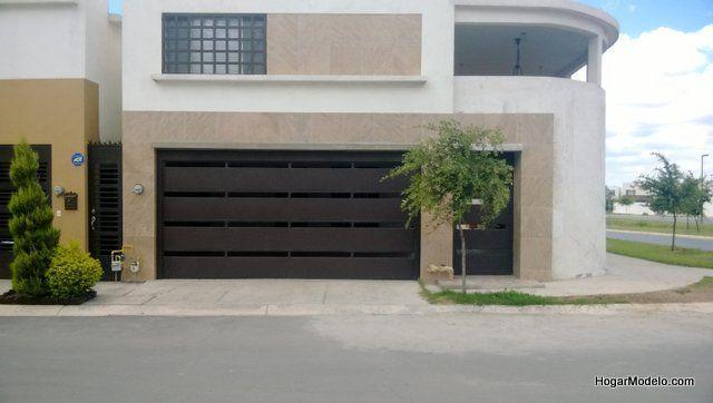Puerta privada de garage con barras horizontales gruesas - Puertas para cocheras ...