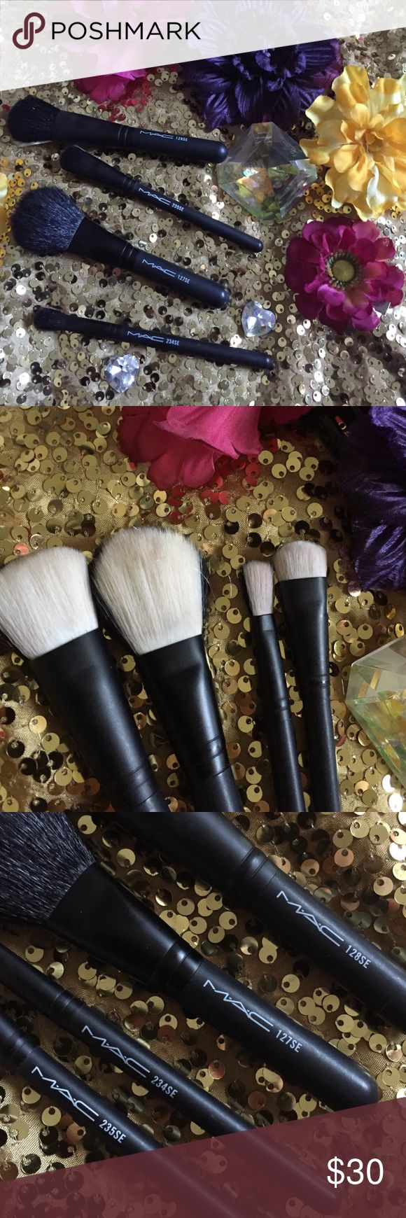 Mac Brushes set💞 Authentic 💕... Slightly used... Haven't