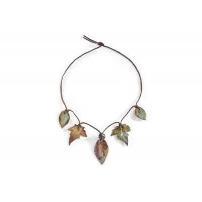 A necklace of ivy and clematis leaves