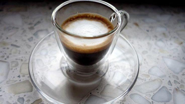 Espresso i trochę czasu na czytanie. | Espresso and reading time.