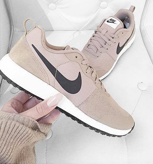 buy online 0f073 6c871 Voir cette épingle et d u0027autres images dans Tendance Mode , Chaussures  par listspirit.