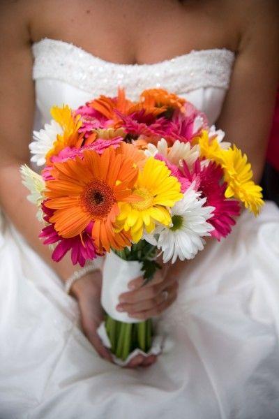 Gerbery w minimalistycznej wersji :) / Nie masz czasu lub pomysłu na ślubną uroczystość? My załatwimy wszystko za Ciebie! Zapraszamy do współpracy www.anamon.com.pl
