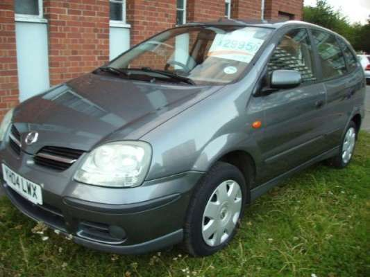 Used 2004 (04 reg) Grey Metallic Nissan Almera Tino 1.8 S 5dr for sale on RAC Cars