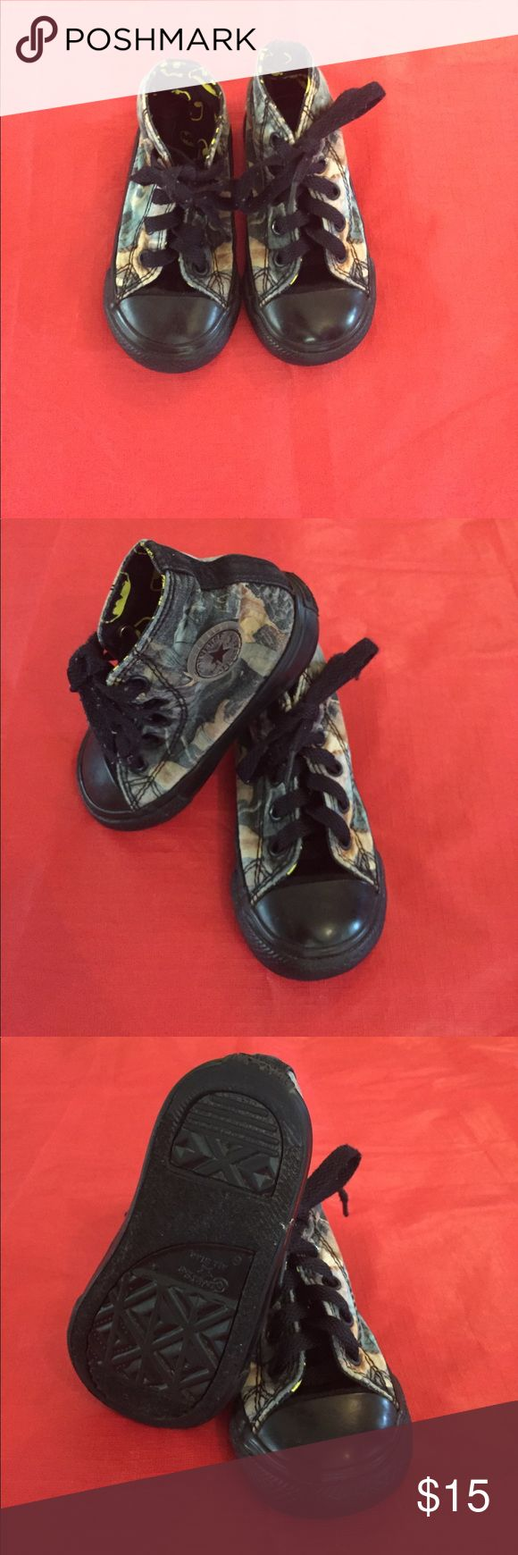Batman converse baby boy Batman baby boy converse shoes . Is pre-owned but in very good condition. Size 6. Color black. Converse Shoes Sneakers