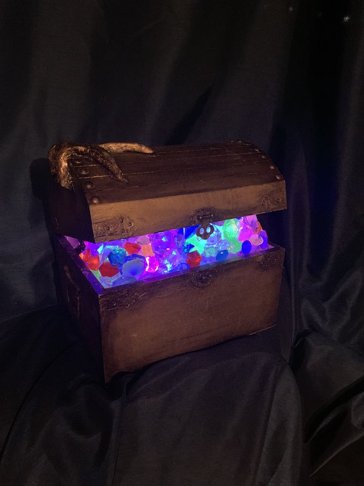 Light Up Treasure Chest with remote LED color changing