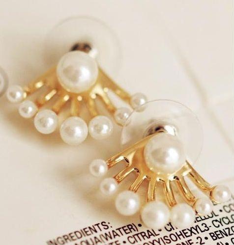 Nuevos modelos de #zarcillos con #perlas #fashion #actual y a la #moda para ti Gsc Moda #ventas #mayor #detal www.gscmoda.com