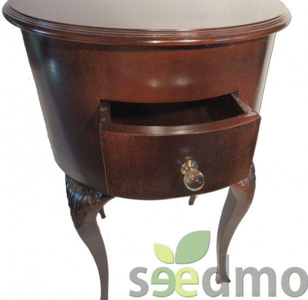 Elegante mueble auxiliar s mbolo de la distinci n en su for Mesa auxiliar esquinera