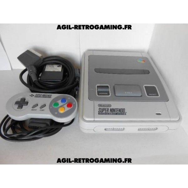 Console Super Nintendo avec câbles et manette officielle