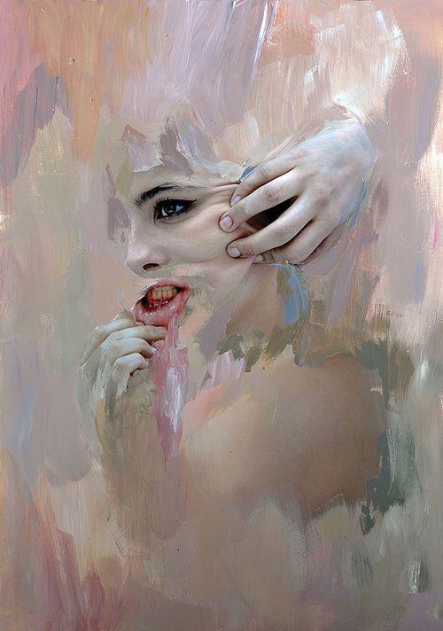 In strijd zijn met jezelf. Het lijkt alsof dit meisje in strijd is met haar uiterlijk. Ze is er helemaal niet blij mee, dat lijkt te zien omdat ze haar huid uitrekt. Vooral bij de lippen is dat goed te zien. De kleur contrast is een beetje dezelfde kleur gebleven, maar dat verduidelijkt het beeld. Ook heb je meer aandacht op waarop je moet letten omdat, dat gedetailleerd geschilderd is. De rest om haar heen is een beetje vervaagd of niet meer te zien.